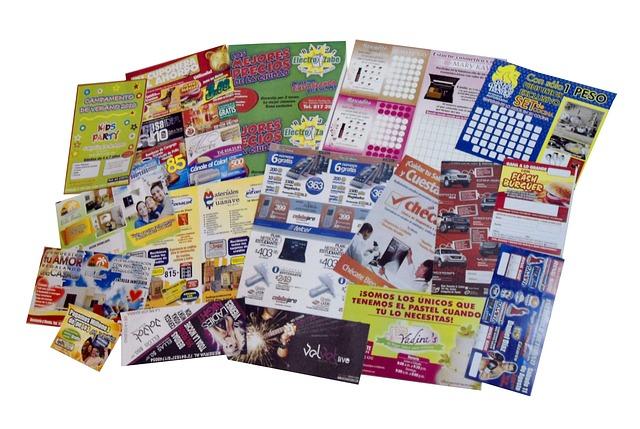 brochures-773871_640