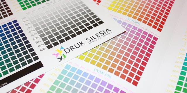 RGBとCMYKの違いとは?色の違いが顧客に与える影響