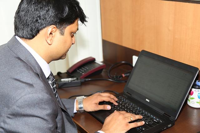 executive-844143_640