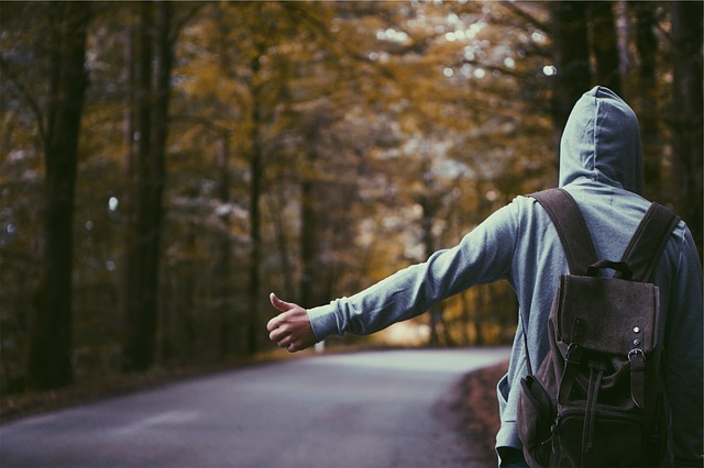 hitchhiker-691581_640