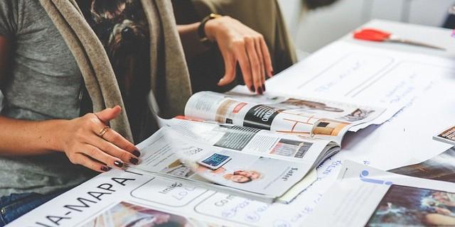 チラシ、雑誌、新聞…他、印刷物に使う定番用紙サイズ・種類まとめ