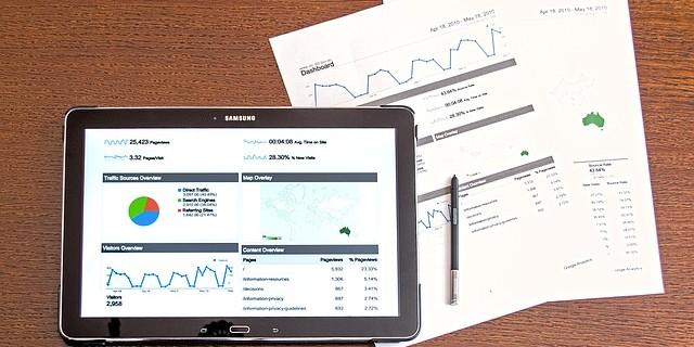 BtoCマーケティングとは?購買プロセスと手法を解説